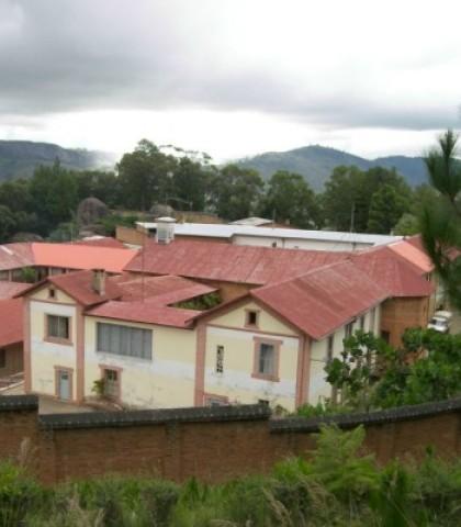 Marana-widok-szpitala-dla-trędowatych-zbudowanego-przez-bł.-Jana-Beyzyma-1024×683