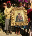 Obraz-Matki-Boskiej-w-ramie-wyrzeźbionej-przez-o.-Jana-Beyzyma-1024×683